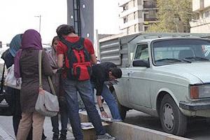 درآمد دستفروشهای فیلم و سیدی کف خیابان!